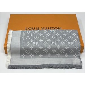 Louis Vuitton denim monogram shawl grey M70804